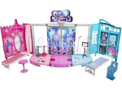 Barbie 2v1 pódium a zákulisí