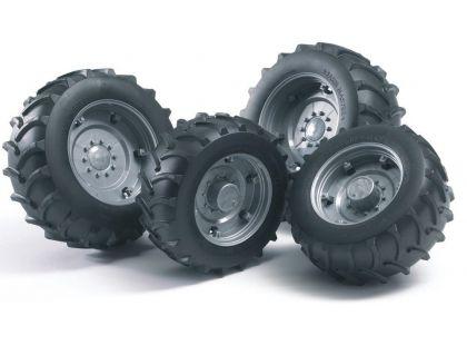 Bruder 03307 Náhradní kola pro traktory řady 3000