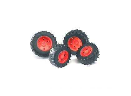Bruder 03312 Dvojitá kola pro traktory řady 3000 červená
