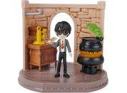 Harry Potter Učebna Míchání Lektvarů s figurkou Harryho