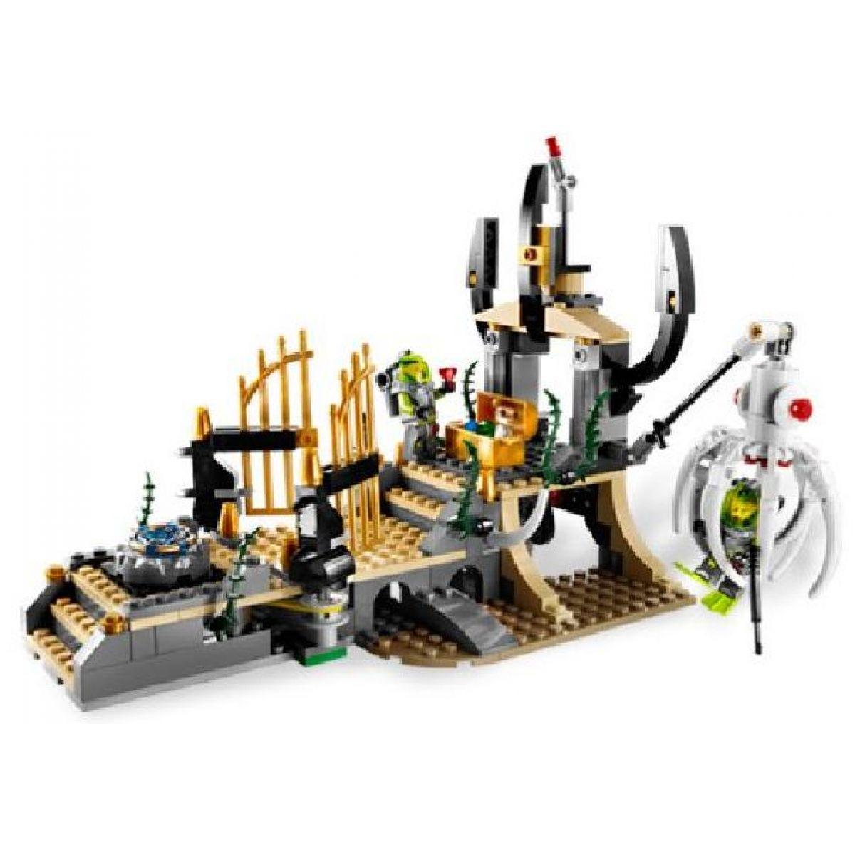 LEGO Atlantis 8061 Oliheň střeží bránu #4