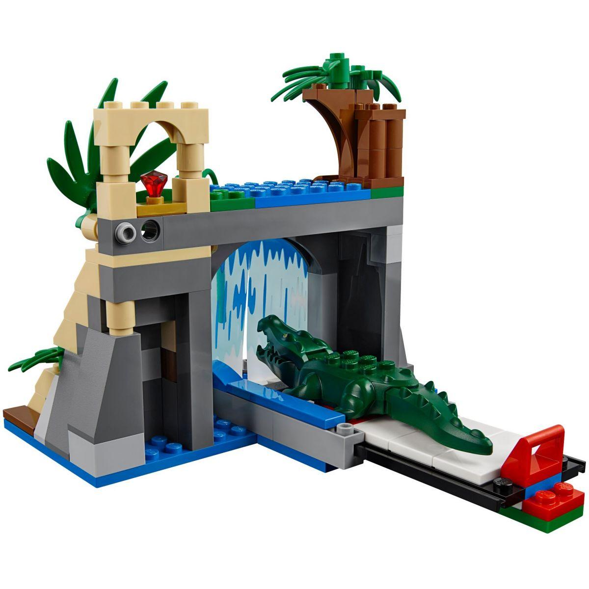 LEGO City 60160 Mobilní laboratoř do džungle #6