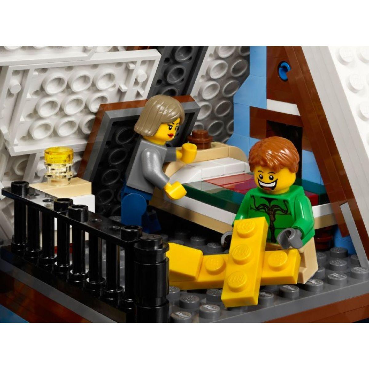LEGO Creator 10229 Zimní chalupa #6