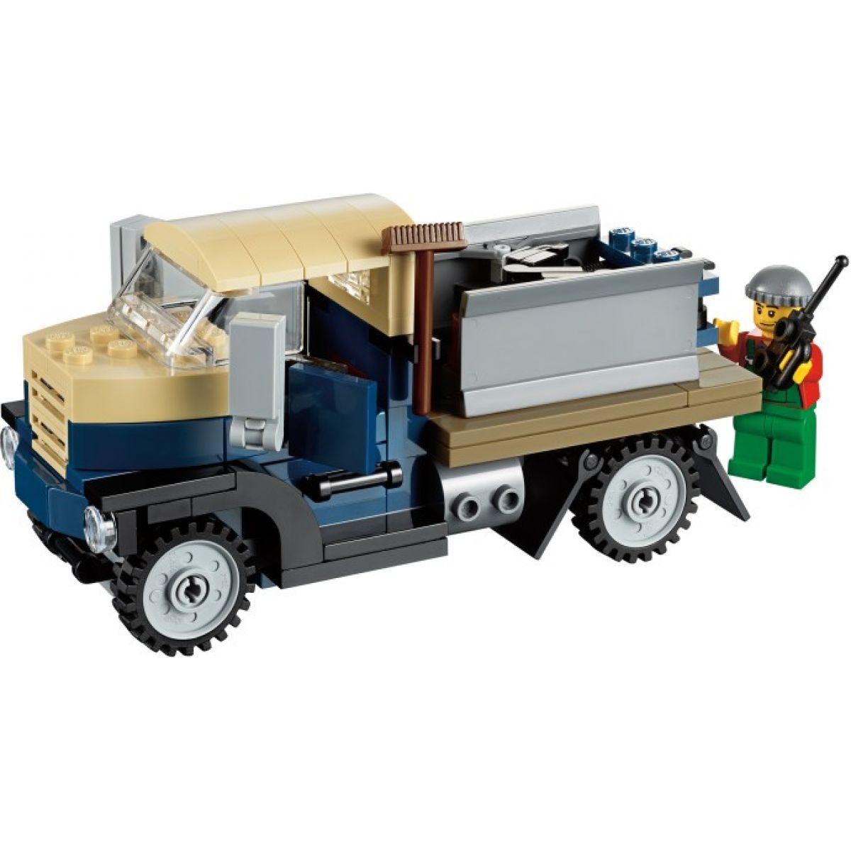LEGO Creator 10229 Zimní chalupa #9