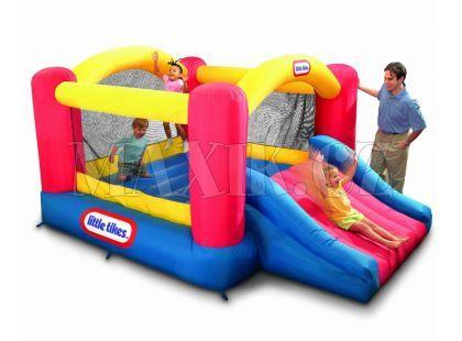 Little Tikes Skákací centrum Jump and Slide Bouncer