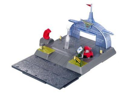 Mattel Planes Hrací set Dobrodružství na letišti - Skipperova letecká škola
