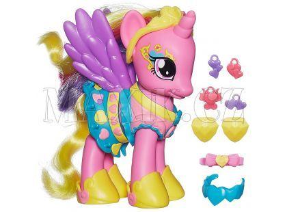 My Little Pony Kouzelný poník s oblečky a doplňky - Princess Cadance