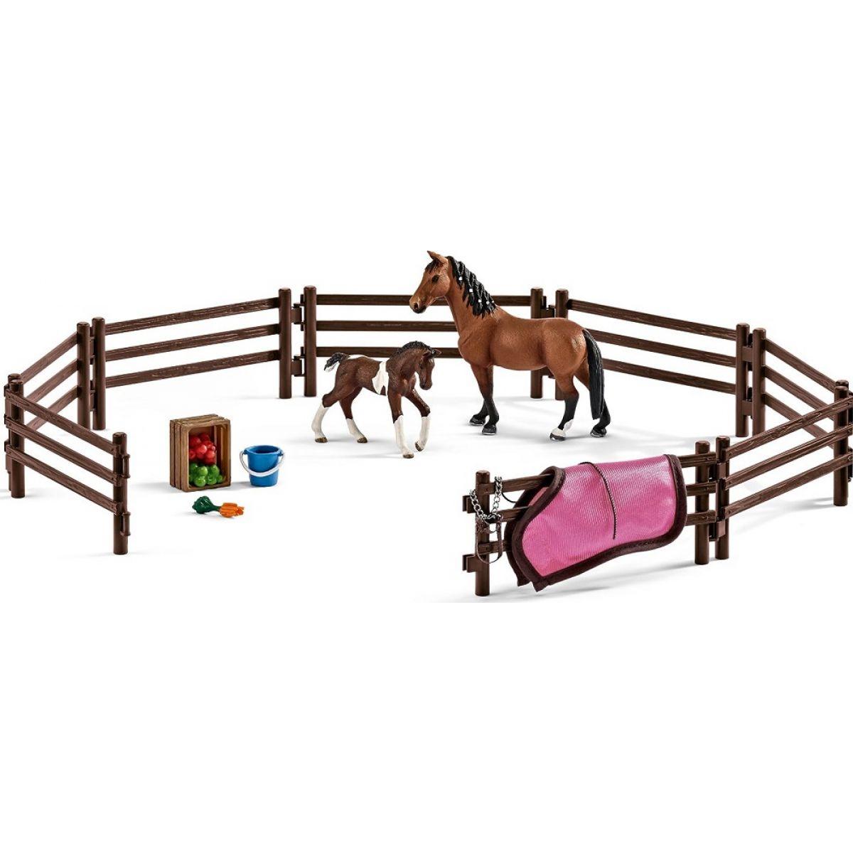 Schleich 42192 Ohrada s koníky a příslušenstvím