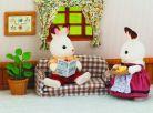Sylvanian Families Nábytek chocolate králíků - taťka na pohovce 2